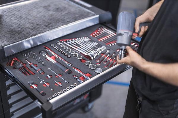 carro de herramientas organizado con 5S